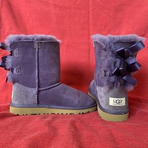 UGGS PURPLE WITH BOWS SIZE 3